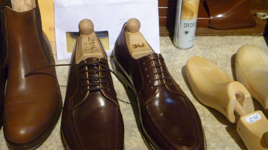 Schuhpassform und Krawattenlänge